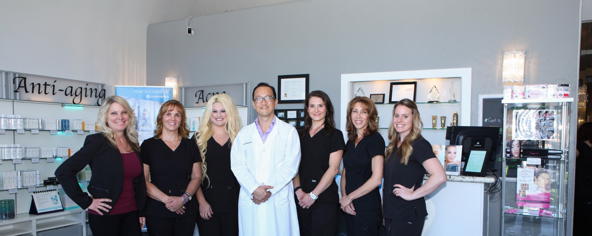 Dr. Veloso is a certified trainer for Botox, Juvederm & Voluma